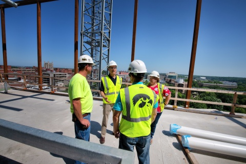 Guckert and coworkers on building site