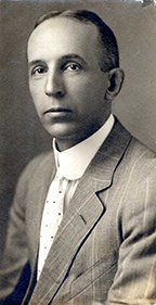 Robert Rienow