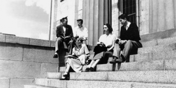 1950s students on old capitol steps